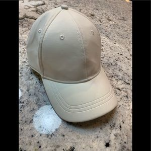 Lululemon white adjustable baseball cap hat